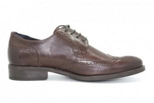"""""""Hombres famosos presumen de altura gracias a sus zapatos"""""""