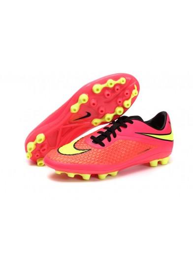 c8a8d16b66913 Zapatillas con tacos para jugar fútbol - Blog Calzados Rivera