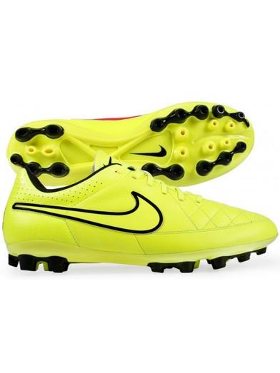 Zapatillas con tacos para jugar fútbol - Blog Calzados Rivera 5d8421429c7cd