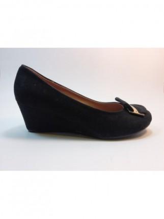 """""""El confort de los zapatos con tacón de cuña"""""""