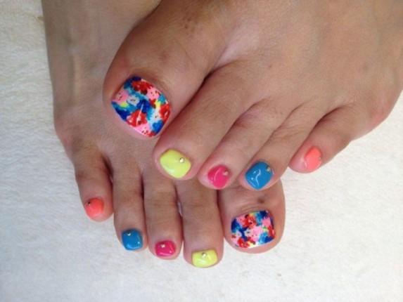 """""""Presume de uñas con sandalias sin punta"""""""