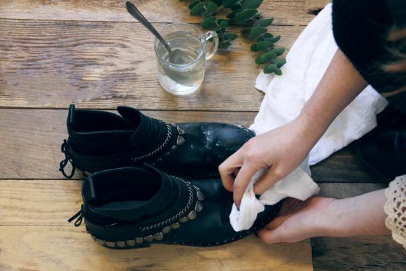 Cómo  eliminar las manchas de sal de tus zapatos