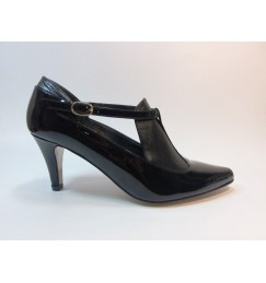 """""""Claves para comprar zapatos a una mujer"""""""