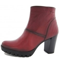 """Calzado para mujer """"La moda en Granate"""""""